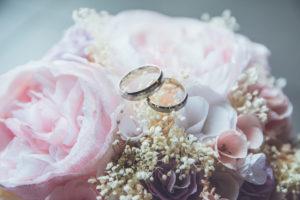 Svatební ráj | prodej apůjčovna šatů, svatební šaty, společenské šaty, šaty napolonézu, dětské šaty, prsteny aoznámení, salón, Slavkov uBrna. Zastoupení Sincerity, Tomy Mariage, Justin Alexander, Lillian West aSweetheart.